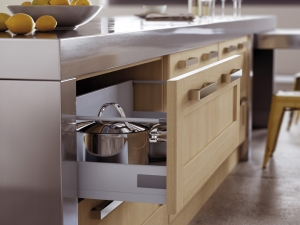 Beautiful oak italian styled-kitchen centre liverpool